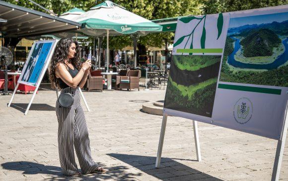 """Na Cetinju otvorena izložba """"Ljepote Skadarskog jezera"""""""